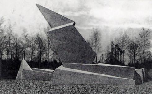 Denkmal der Maerzgefallenen (Monumento dos Caídos de Março), de Walter Gropius.